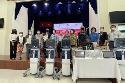 Hiệp hội Thương mại Mỹ tại Việt Nam hỗ trợ thiết bị phòng, chống dịch cho Thành phố Hồ Chí Minh