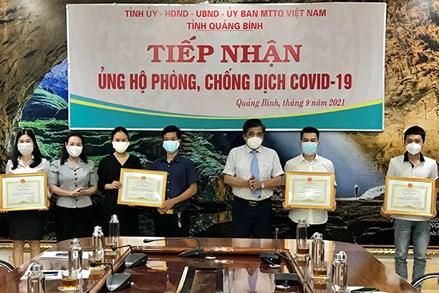 Quảng Bình: Khen thưởng các tập thể, cá nhân tiêu biểu trong phòng, chống dịch