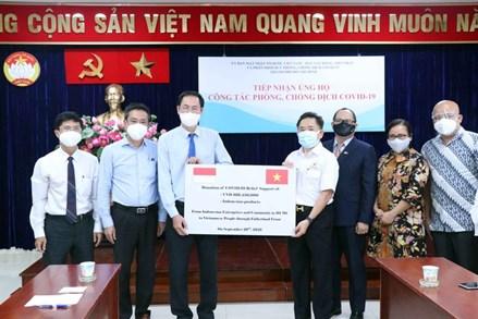 Các doanh nghiệp và cộng đồng người Indonesia tại thành phố Hồ Chí Minh ủng hộ công tác phòng, chống dịch