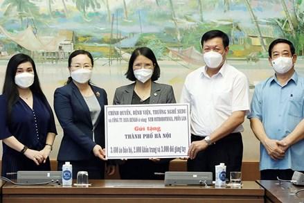 Hà Nội, Bình Dương tiếp nhận vật tư, thiết bị y tế từ Văn phòng Quốc hội
