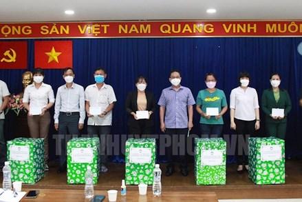 Ủy ban MTTQ Việt Nam TPHCM thăm, động viên đội ngũ cán bộ Mặt trận và lực lượng tình nguyện viên