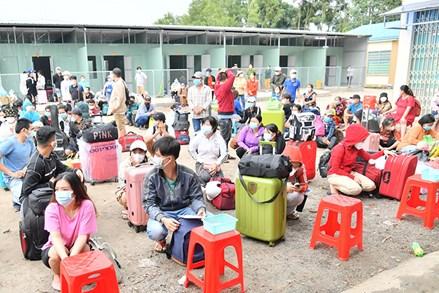 Các tỉnh, thành phố Tây Nam Bộ dồn sức trợ giúp công dân trở về quê hương