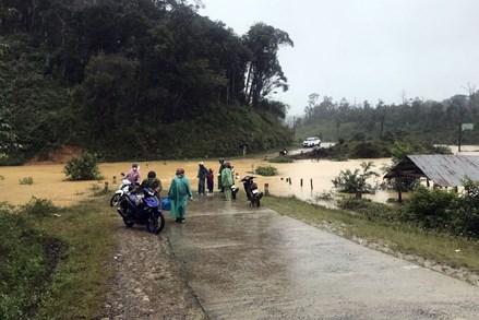 Thủ tướng Chính phủ chỉ đạo tập trung ứng phó mưa lũ tại khu vực Trung Bộ và Tây Nguyên