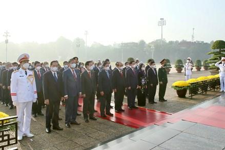 Lãnh đạo Đảng, Nhà nước, đại biểu Quốc hội viếng Lăng Chủ tịch Hồ Chí Minh