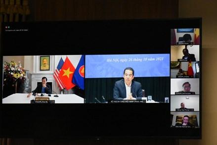 Phiên họp về công tác người Việt Nam ở nước ngoài và công tác bảo hộ công dân trong tình hình mới