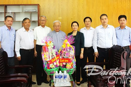 Phó Chủ tịch Bùi Thị Thanh thăm các nhân sĩ trí thức, tôn giáo tại Bà Rịa - Vũng Tàu