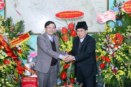 Phó Chủ tịch Nguyễn Hữu Dũng chúc mừng Giáng sinh Giáo phận Hưng Hóa