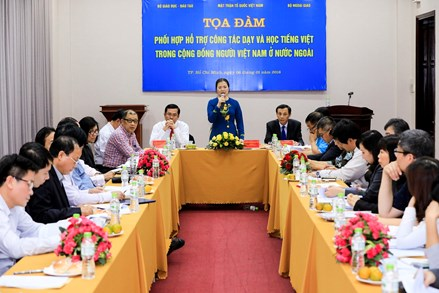 Đẩy mạnh dạy và học tiếng Việt cho người Việt ở nước ngoài