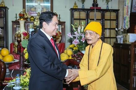 Chủ tịch Trần Thanh Mẫn chúc tết Đại lão Hòa thượng Thích Phổ Tuệ
