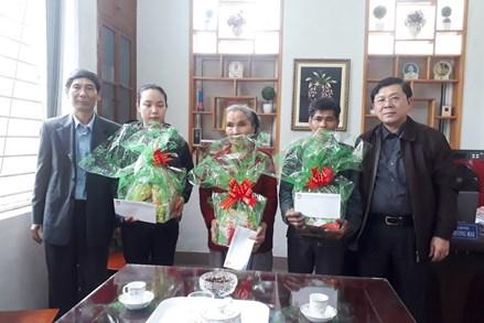 Phó Chủ tịch Nguyễn Hữu Dũng thăm và tặng quà Tết tại Thừa Thiên - Huế