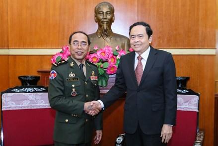 Chủ tịch Trần Thanh Mẫn tiếp đoàn cấp cao Bộ Tư lệnh Cảnh vệ Quân đội Hoàng gia Campuchia