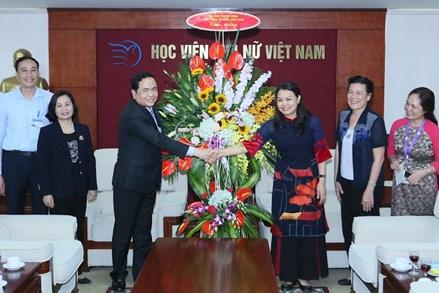 Phụ nữ Việt Nam góp phần củng cố khối đại đoàn kết toàn dân tộc
