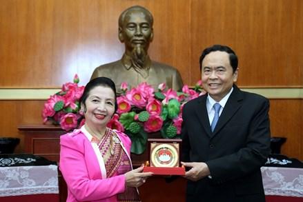 Chủ tịch Trần Thanh Mẫn tiếp đoàn đại biểu cấp cao Mặt trận Lào Xây dựng đất nước