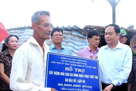 Mặt trận Trung ương hỗ trợ người dân Bạc Liêu khắc phục hậu quả sau bão số 1