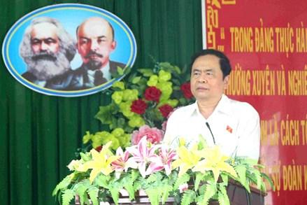 Chủ tịch Trần Thanh Mẫn tiếp xúc cử tri tại quận Thốt Nốt