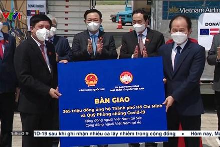 UBTƯ MTTQ Việt Nam tiếp nhận vật tư y tế và kinh phí ủng hộ từ các nước Châu Âu trao tặng