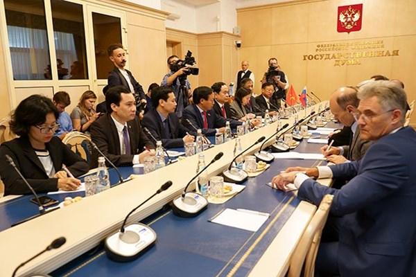 Đồng chí Trần Thanh Mẫn hội đàm Phó Chủ tịch Duma Quốc gia Nga