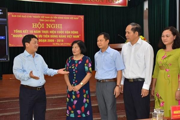 Để hàng Việt chinh phục người Việt