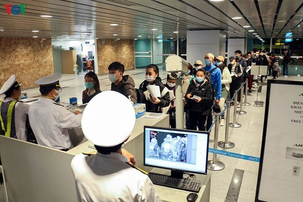 Việt Nam tạm dừng nhập cảnh với tất cả người nước ngoài