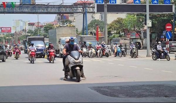 """Hà Nội, TPHCM xin """"nới lỏng"""" giãn cách xã hội sau ngày 22/4"""