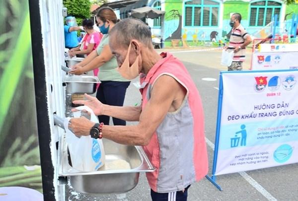 """Lan tỏa mô hình """"ATM gạo"""" cho người nghèo"""
