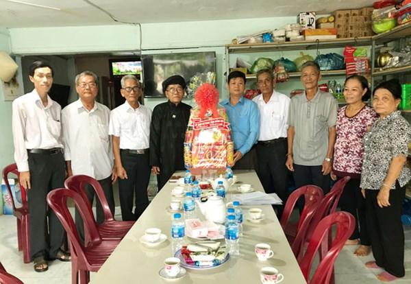 Ủy ban MTTQ Việt Nam tỉnh Đồng Nai thăm và chúc mừng lễ Khai đạo Phật giáo Hòa Hảo