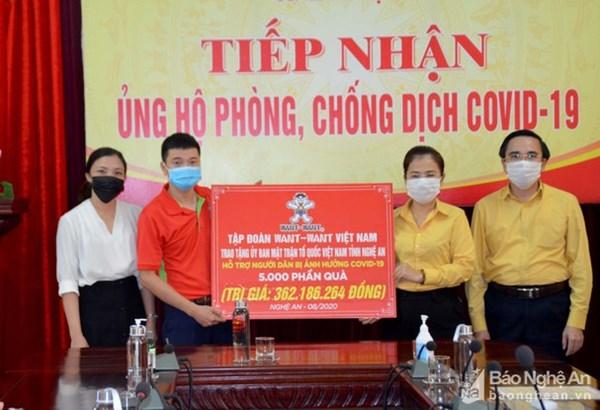 Ủy ban MTTQ tỉnh Nghệ An tiếp nhận 5.000 phần quà hỗ trợ người dân bị ảnh hưởng dịch Covid-19