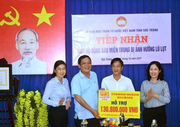 Sóc Trăng: Tiếp nhận trên 700 triệu đồng ủng hộ đồng bào miền Trung