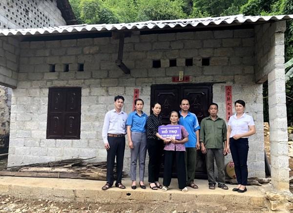 """Trùng Khánh (Cao Bằng) hỗ trợ 864 triệu đồng xây dựng nhà """"Đại đoàn kết"""" cho hộ nghèo"""