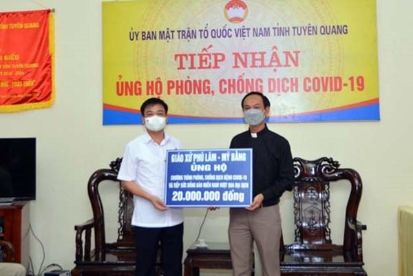 Tuyên Quang: Giáo xứ Phú Lâm – Mỹ Bằng ủng hộ phòng, chống dịch Covid – 19