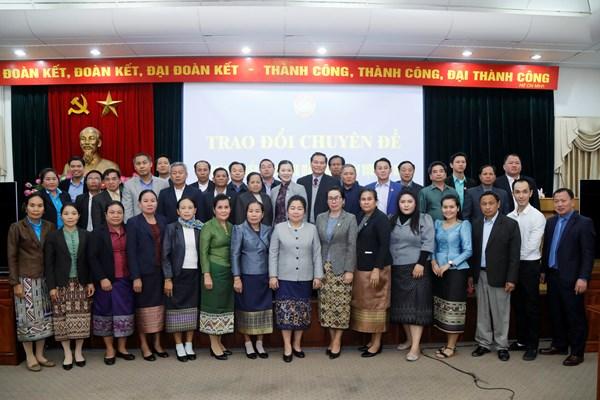 Trao đổi kinh nghiệm công tác Mặt trận với đoàn cán bộ Mặt trận Lào xây dựng đất nước