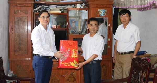 Phú Thọ: 800 suất quà Tết tặng các hộ nghèo