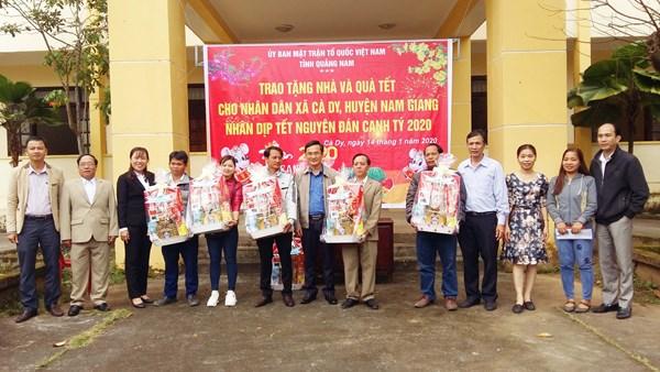 MTTQ tỉnh Quảng Nam thăm, chúc Tết hộ nghèo xã Ca Dy
