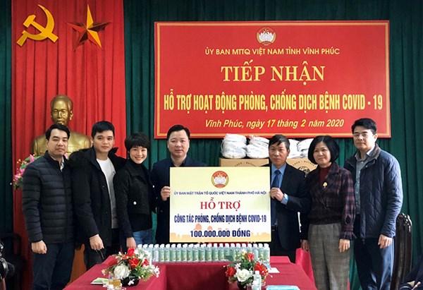 Hà Nội: Hỗ trợ tỉnh Vĩnh Phúc 100 triệu đồng và đồ dùng phòng dịch
