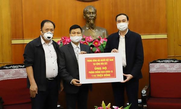 Tấm lòng của những người Việt Nam xa xứ