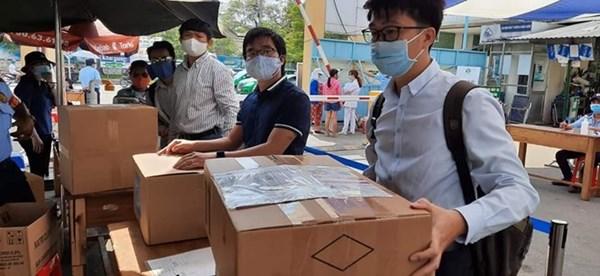 Hội Chuyên gia Trí thức Việt Nam - Hàn Quốc hỗ trợ Bệnh viện Quận 2 chống dịch Covid-19