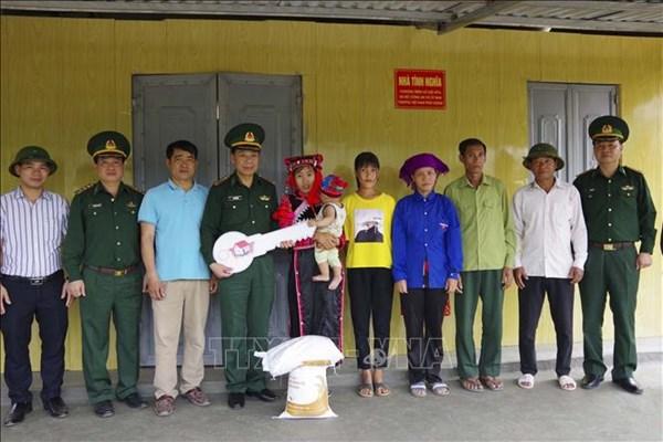 Bàn giao 65 nhà tình nghĩa cho người nghèo ở Mường Nhé