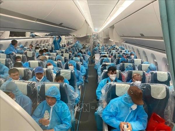219 công dân Việt Nam từ Guinea Xích đạo đã về đến sân bay Nội Bài an toàn