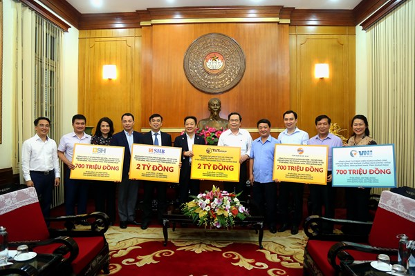 Những doanh nghiệp đầu tiên ủng hộ cho cuộc chiến chống dịch COVID-19 tại miền Trung
