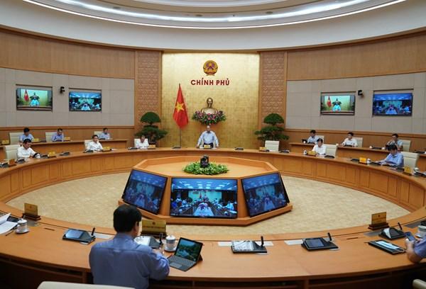 Thủ tướng: Cuộc chiến chống COVID-19 đã bắt đầu thời kỳ cao điểm