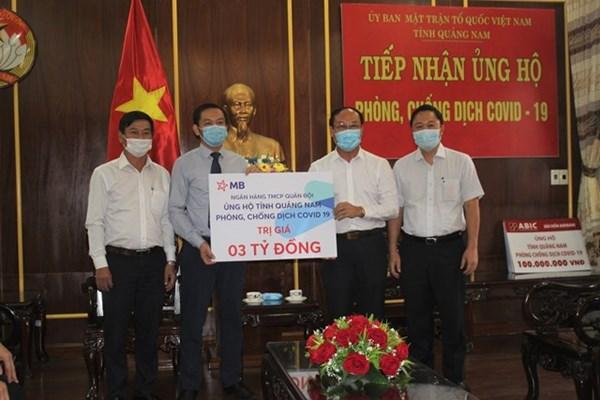 Mặt trận Quảng Nam tiếp nhận 21 tỷ đồng phòng, chống dịch Covid-19