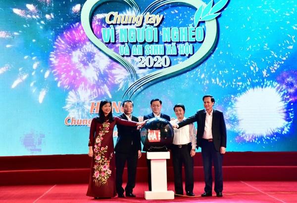 Hơn 28 tỷ đồng ủng hộ ngay sau khi Hà Nội phát động Tháng cao điểm ''Vì người nghèo'' năm 2020