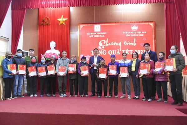 Quảng Ninh: Mang Tết ấm đến người nghèo