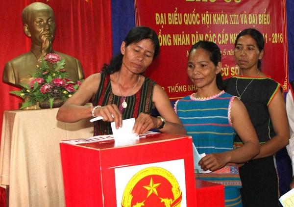 Các điểm bầu cử sớm trên địa bàn tỉnh Kon Tum đều diễn ra thuận lợi