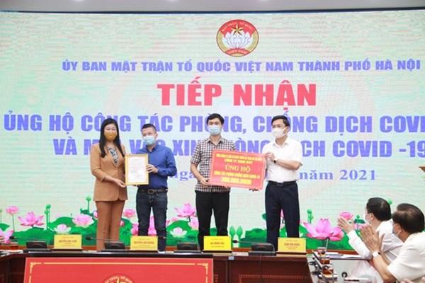 Người Hà Nội tích cực ủng hộ Quỹ vaccine