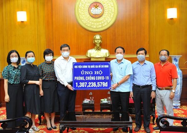 Công khai nguồn lực tiếp nhận và phân bổ ủng hộ trên trang Thông tin: vandongxahoi.mattran.org.vn