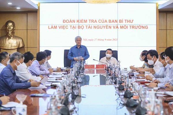 Chủ tịch Đỗ Văn Chiến làm việc với Bộ Tài nguyên và Môi trường