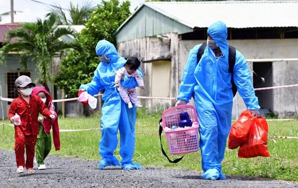 UBTƯ MTTQ Việt Nam đề nghị: Tiếp tục hỗ trợ hàng hóa thiết yếu, phần quà đại đoàn kết cho công dân gặp khó khăn khi trở về địa phương
