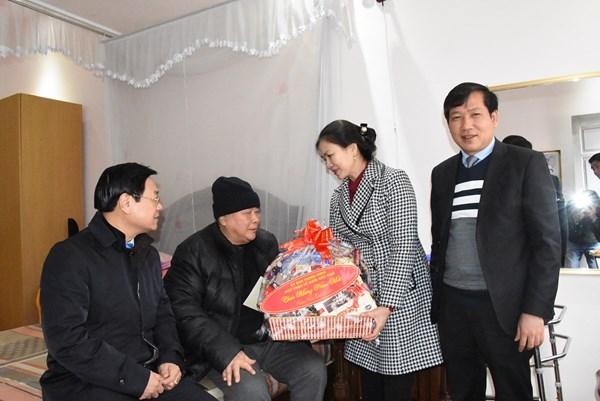 Phó Chủ tịch Trương Thị Ngọc Ánh chúc Tết nguyên Tổng Thư ký Trần Văn Đăng