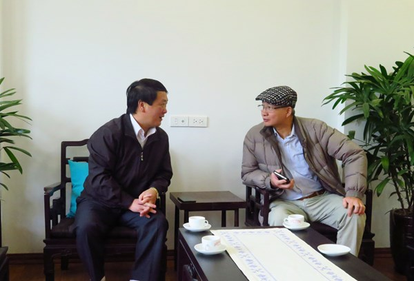 Phó Chủ tịch - Tổng Thư ký Hầu A Lềnh chúc Tết gia đình cố Thủ tướng Phạm Văn Đồng